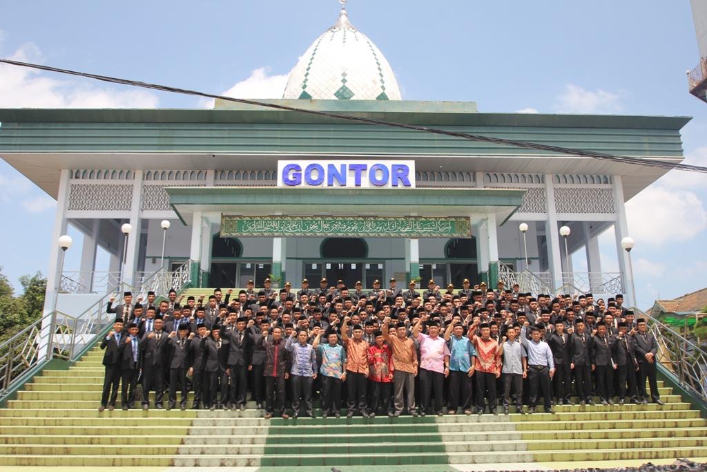 15 Pondok Pesantren Terkenal di Indonesia